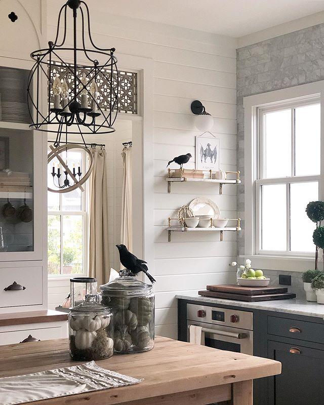 Pin By Tori Wells On Remodel Kitchen Cabinets Decor White Kitchen Design Modern Farmhouse Kitchens