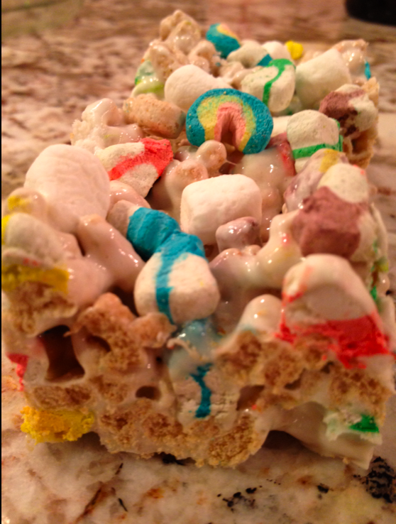 My sister just made me these...amazing! Lucky Charm Bars!