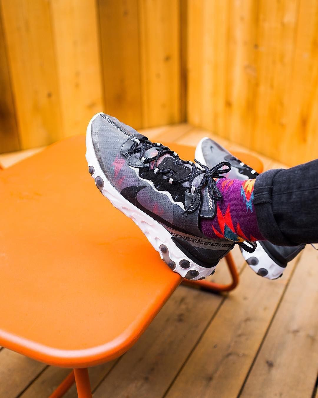 8a39a1002660 La Nike React Element 87 Anthracite Black est disponible sur wethenew.com   ralphromeo