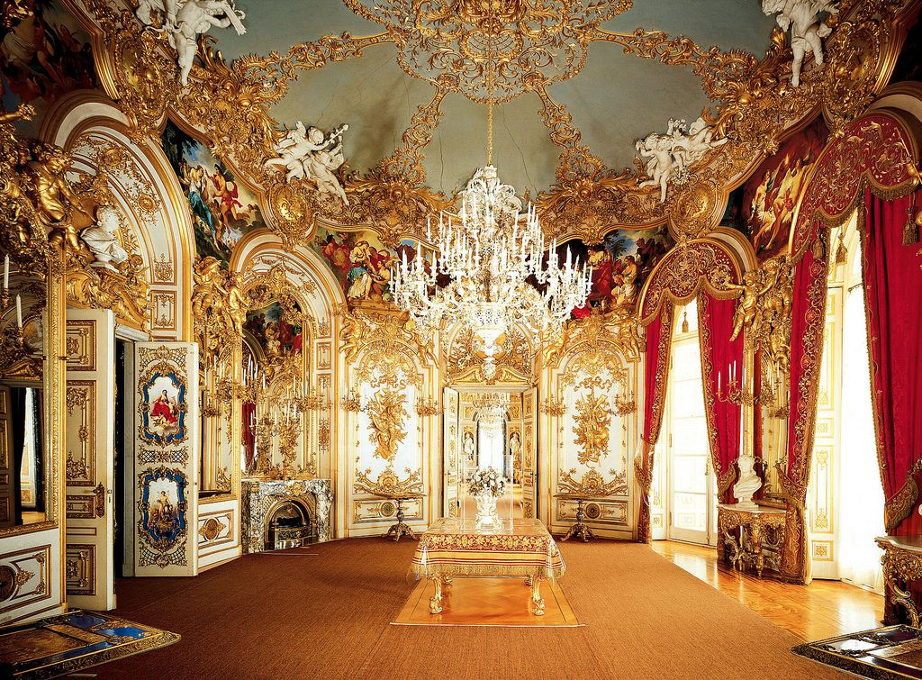 Herrenchiemsee Palace Germany Herrenchiemsee Is A Complex Of Royal Buildings On The Herreninsel An Island In The Chiemsee Bavaria S Largest Lake 60 Km Sout With Images Castle Rooms Opulent Interiors Palace Interior