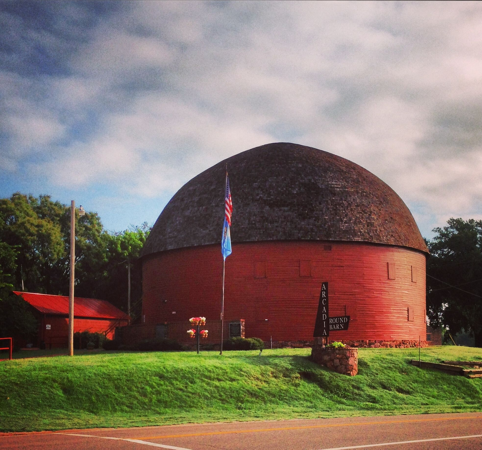 The Round Red Barn ~ Arcadia, OK