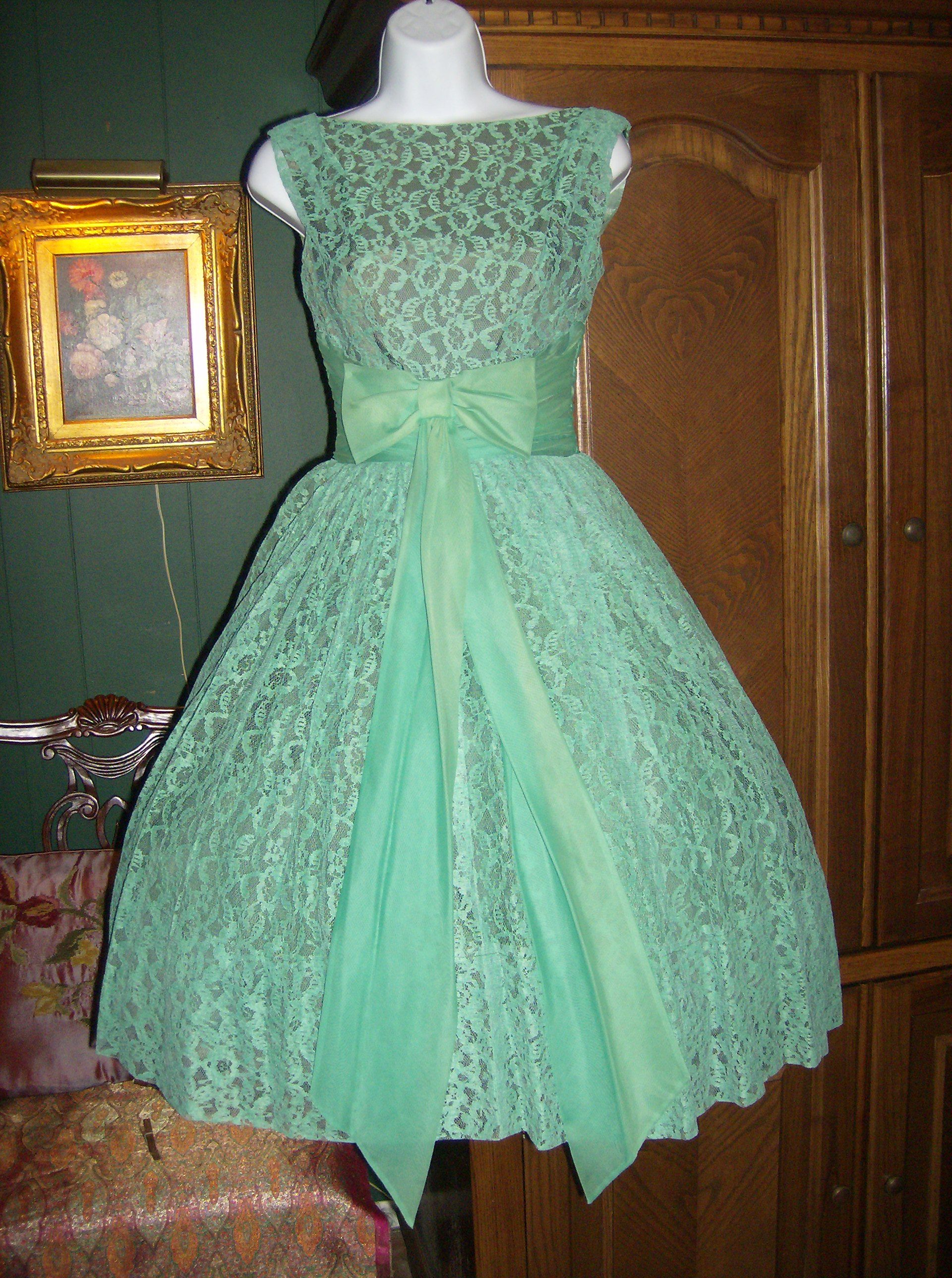 green lace 50\'s dress | 1950\'s Vintage | Pinterest | Green lace ...