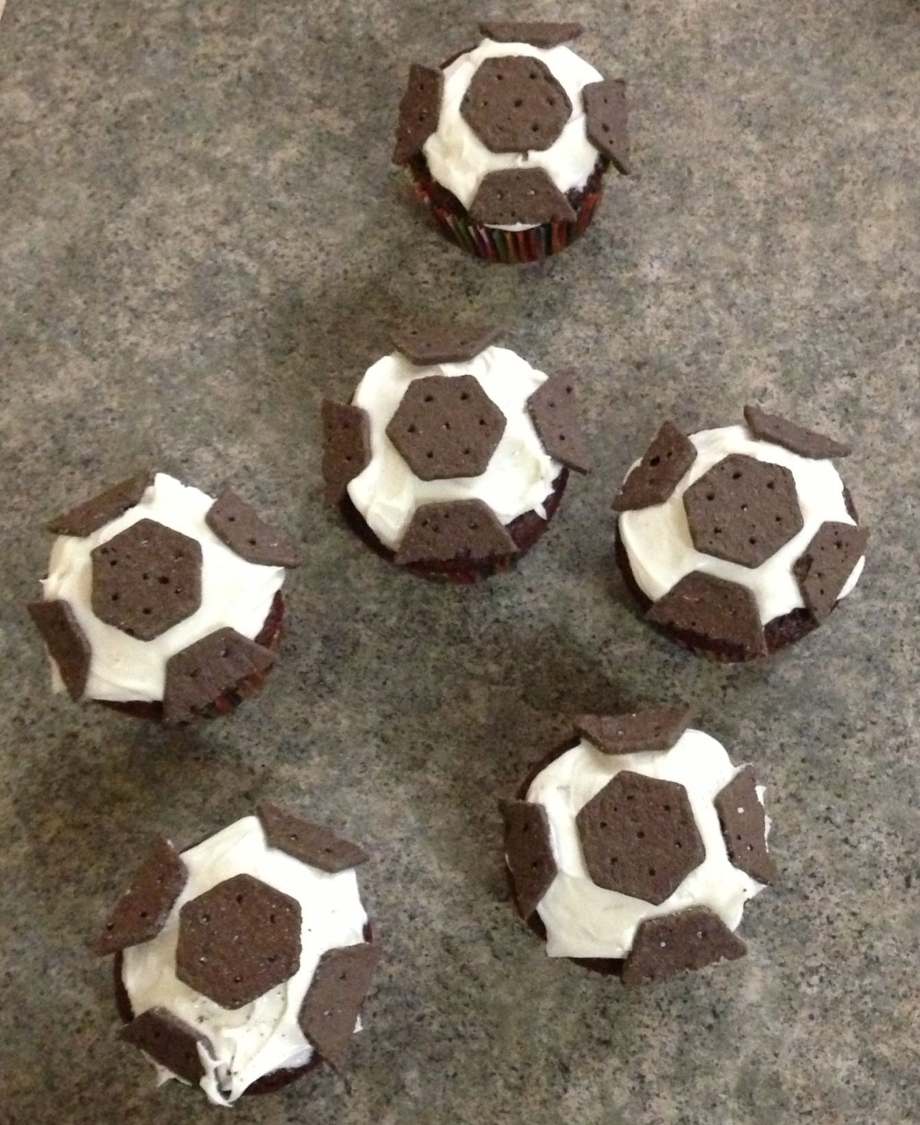 Easy Soccer Ball Cupcakes Made With Oreo Thin Crisps Soccer Cupcakes Oreo Thins Birthday Planning