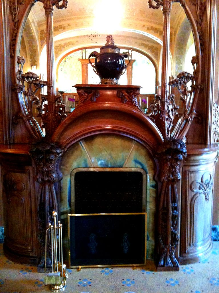 Villa In Art Nouveau ... In 1908, The Owner Of The House Champagne