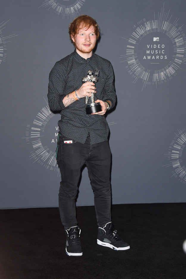 "Remember the time he won an MTV VMA for ""Best Male Video"", I LOST MY VOICE FROM SCREAMING TOO LOUD"