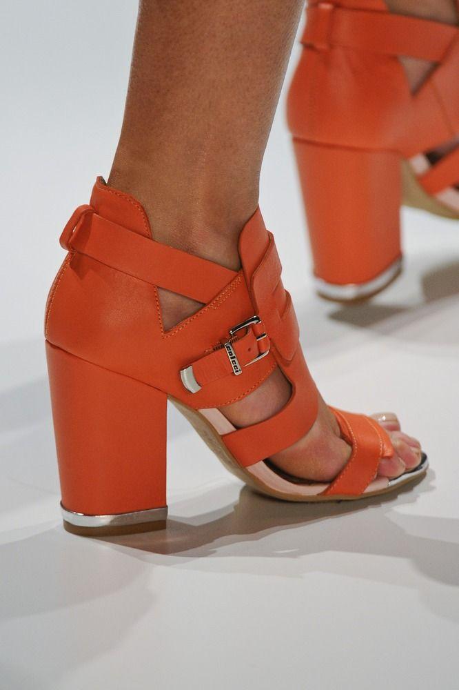 Colcci verão 2013 | Sapatos, Sapatos para mulheres e Colcci