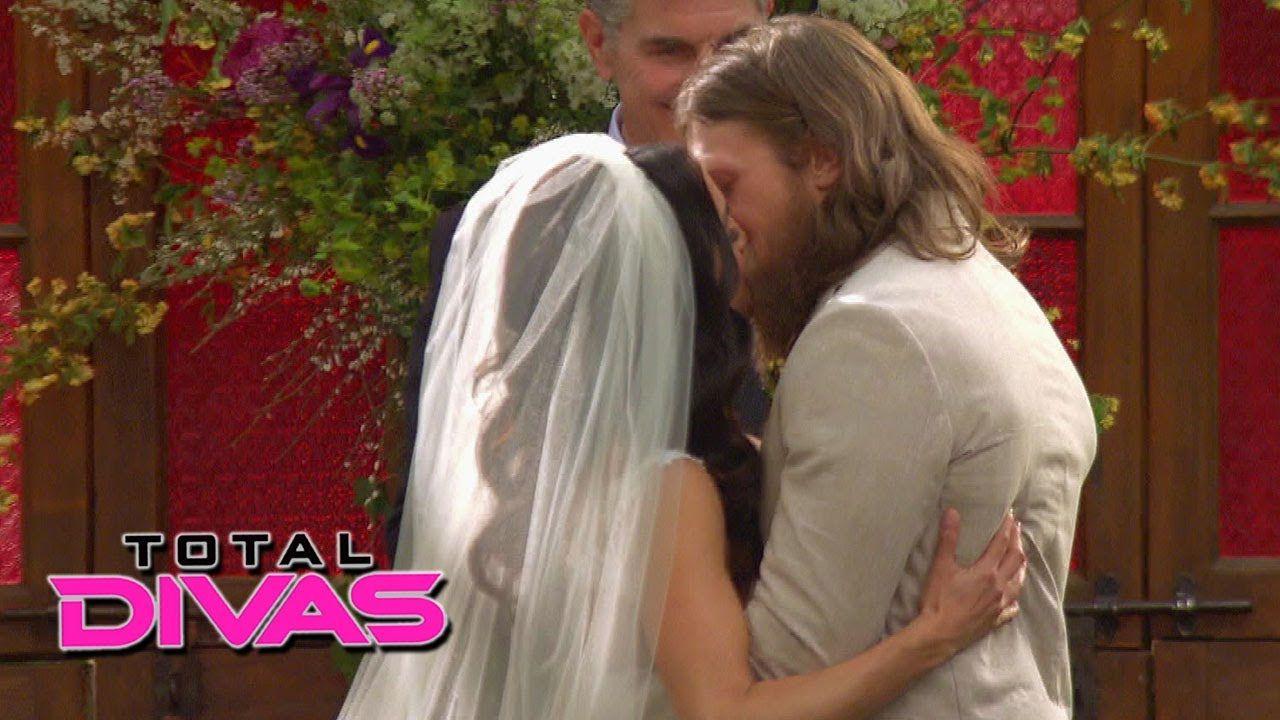 Bellas wedding dress  Brie Bella and Daniel Bryan exchange wedding vows Total Divas