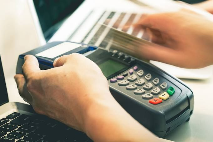 Chennai Ungal Kaiyil Government Will Abandon Service Tax On Debit And Credit Card Transactions Of Up To Rs Credit Card Machine Best Credit Cards Card Machine