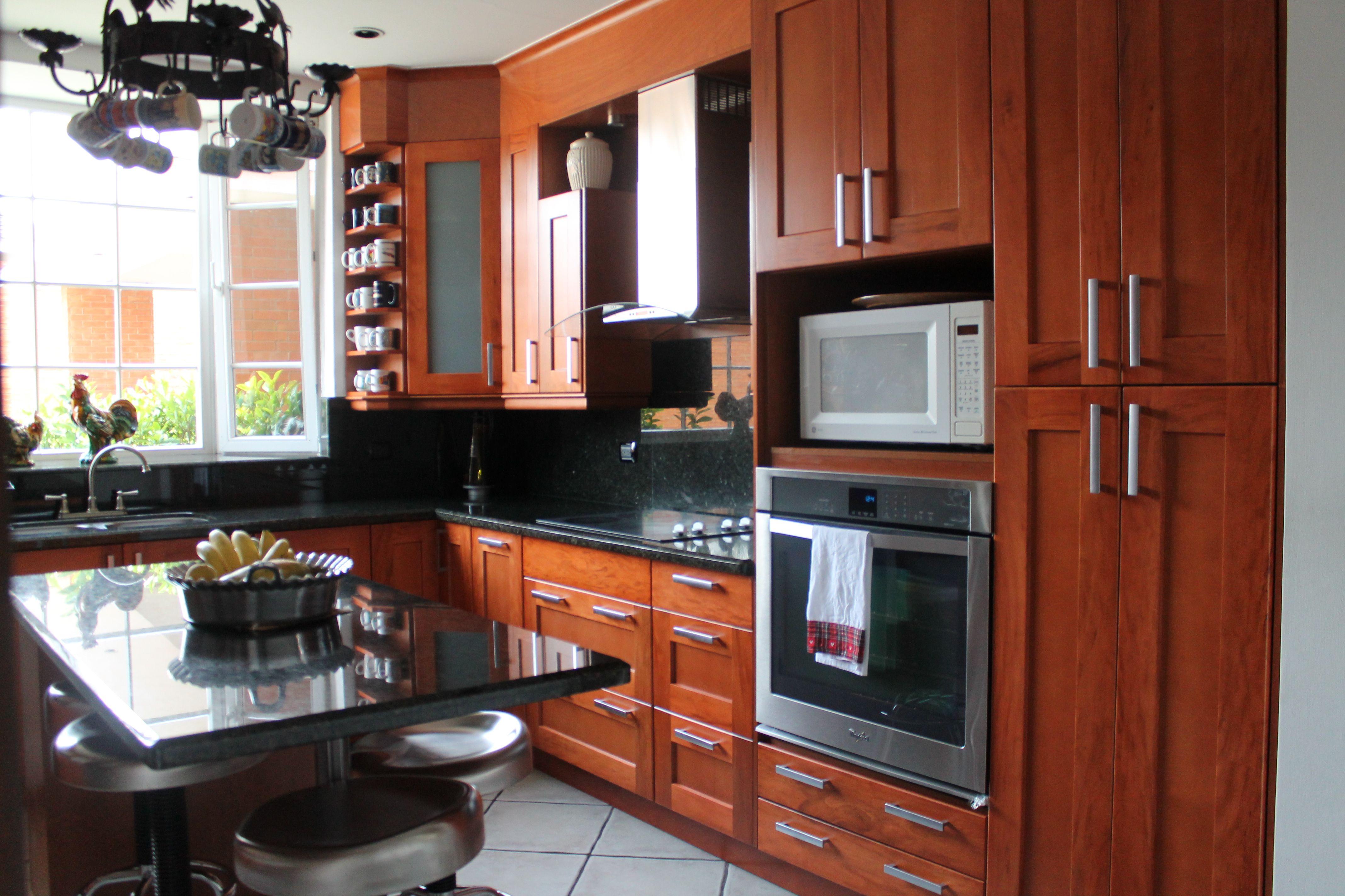 Cocina Navarra-e con granito verde ubatuba | Salas Comedor y Cocina ...