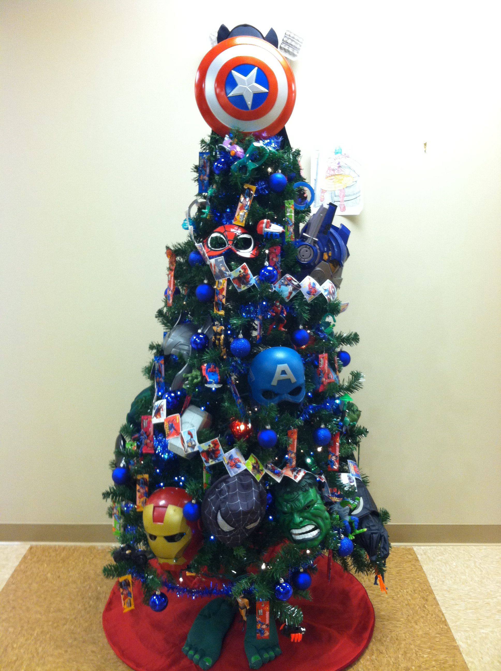 Super Hero Christmas Tree For The Pooh And The Netta We Ll Add A Thor Hammer For The Beth Superhero Christmas Christmas Tree Themes Kids Christmas