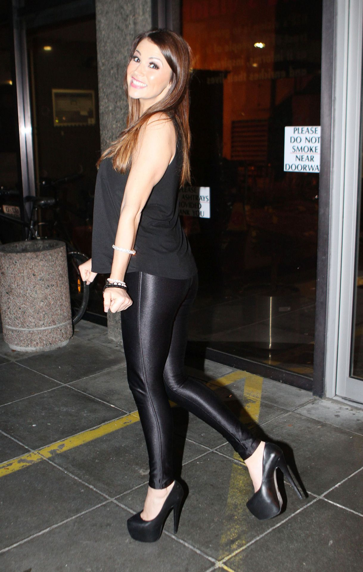 Spandex Disco Pants & Tight Shiny Leggings : Photo ...