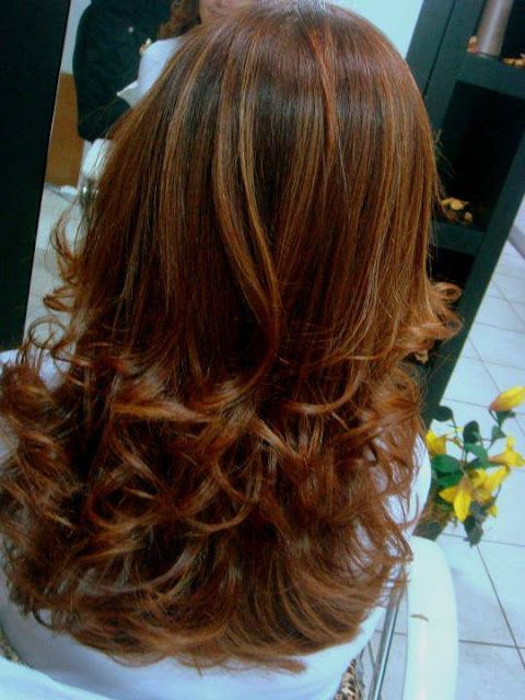 Katia Miyazaki Coiffeur - Salão de Beleza em Floripa: cabelo comprido - ondulado - coloração ruiva - cab...