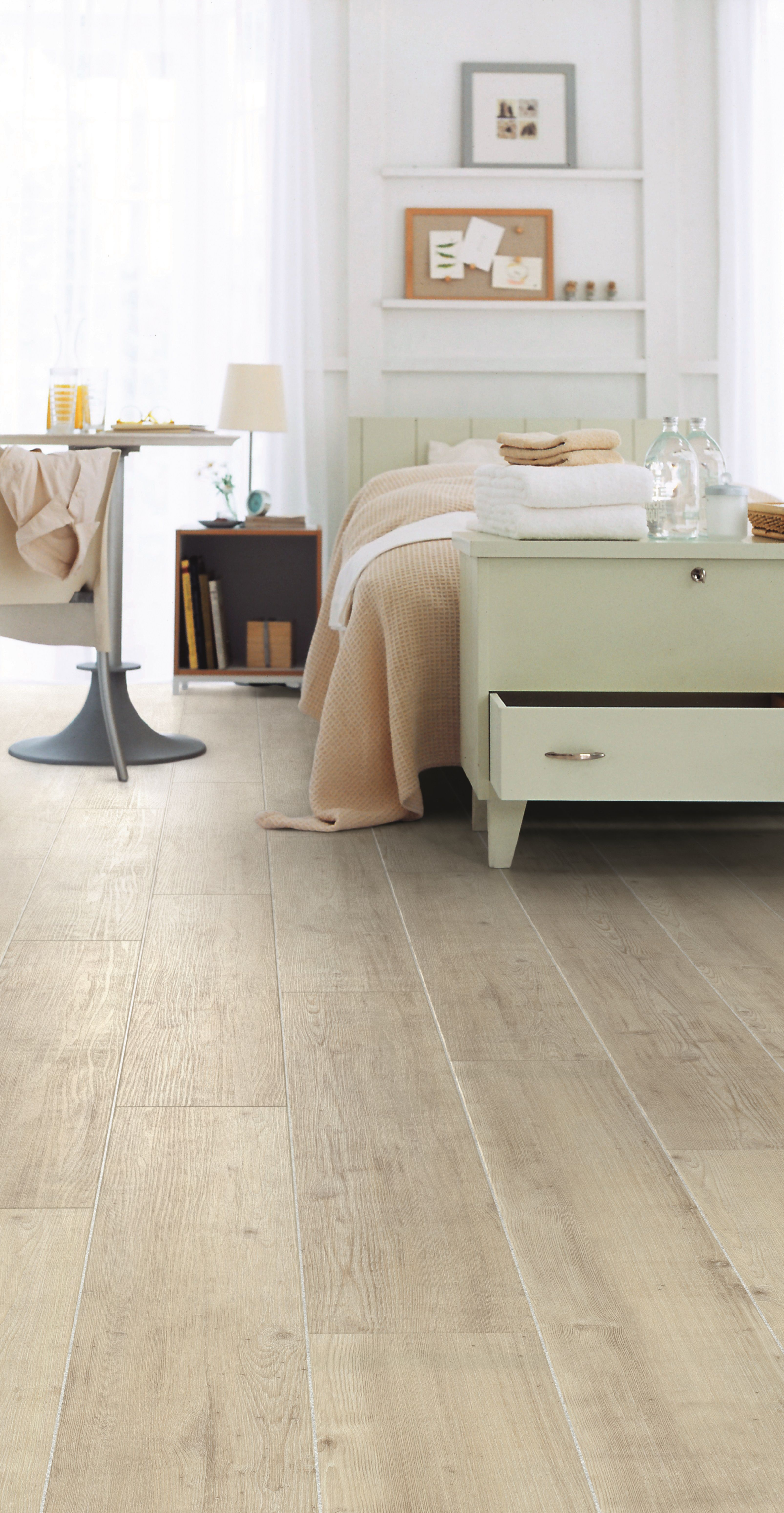Fusion Flooring 1060 Royal White Oak light and spacious