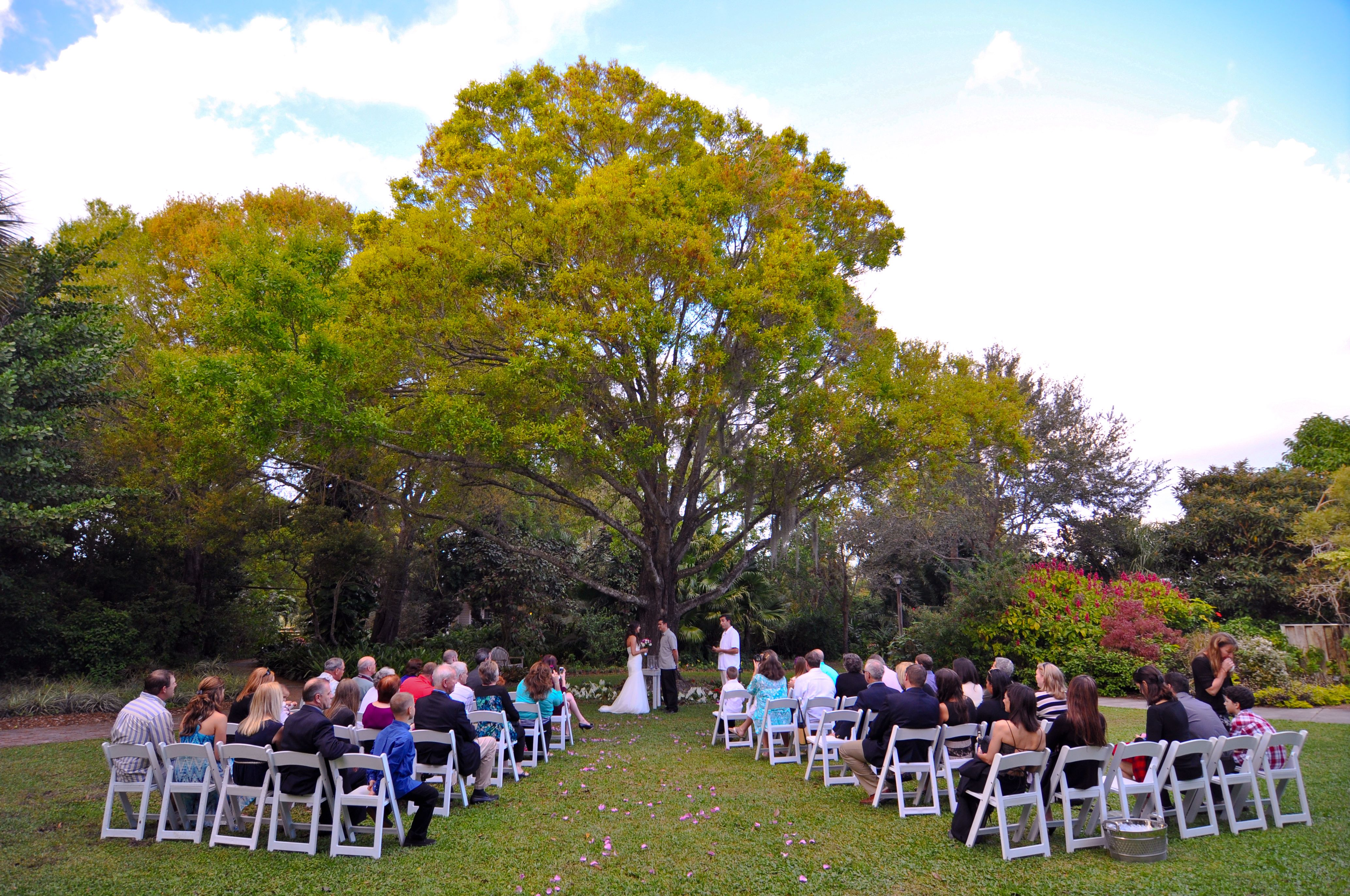 Kyrsti And Shawn 39 S Lovely Garden Wedding At The Beautiful Heathcote Botanical Gardens In Ft