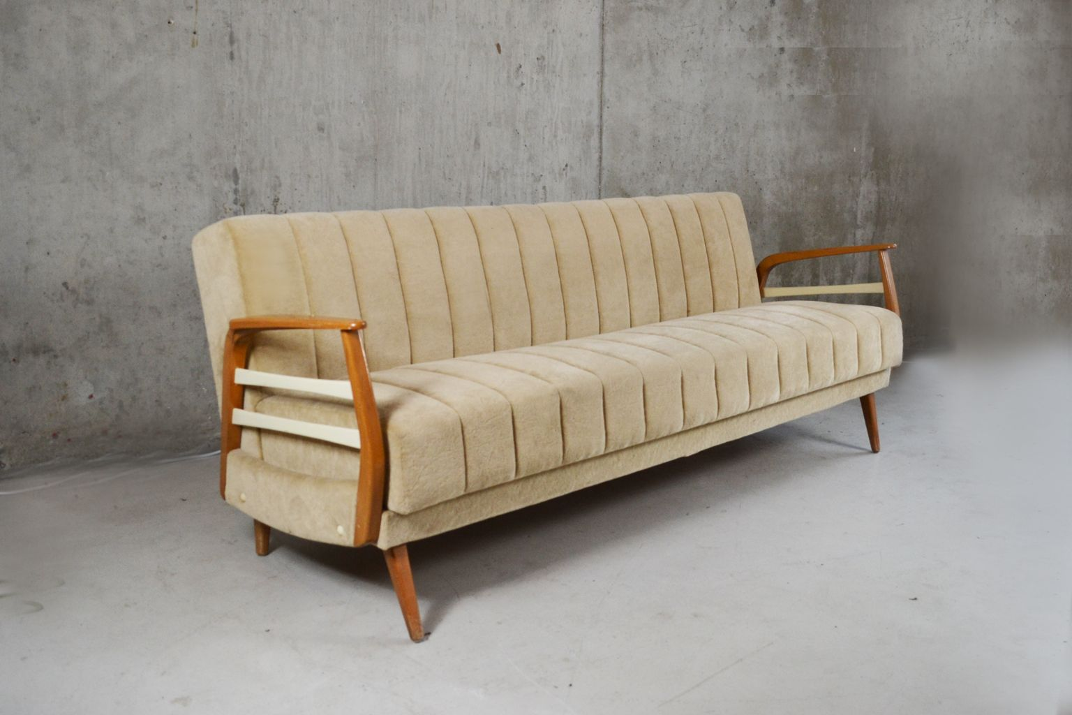 Strange Mid Century German Sofa Bed In Light Beige Velour With Beech Download Free Architecture Designs Ogrambritishbridgeorg
