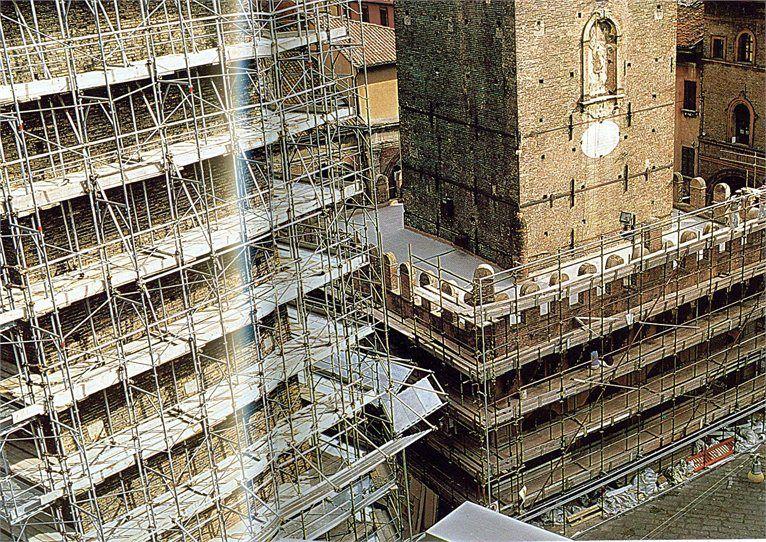 Torri Asinelli e Garisenda - RESTAURI E CONSOLIDAMENTI 1998-2000 - DIREZIONE DEI LAVORI = Arch. Francisco Giordano - PROGETTO DUE TORRI DI BOLOGNA