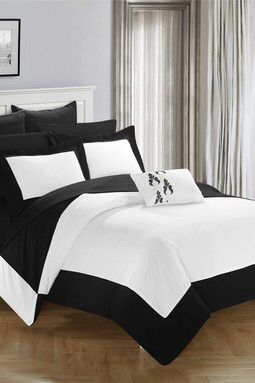 Bathilda Hotel Collection Modern Two Tone Reversible 10 Piece Bed In