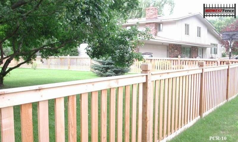 One of the many styles of cedar fences with post caps patio - cercas para jardin