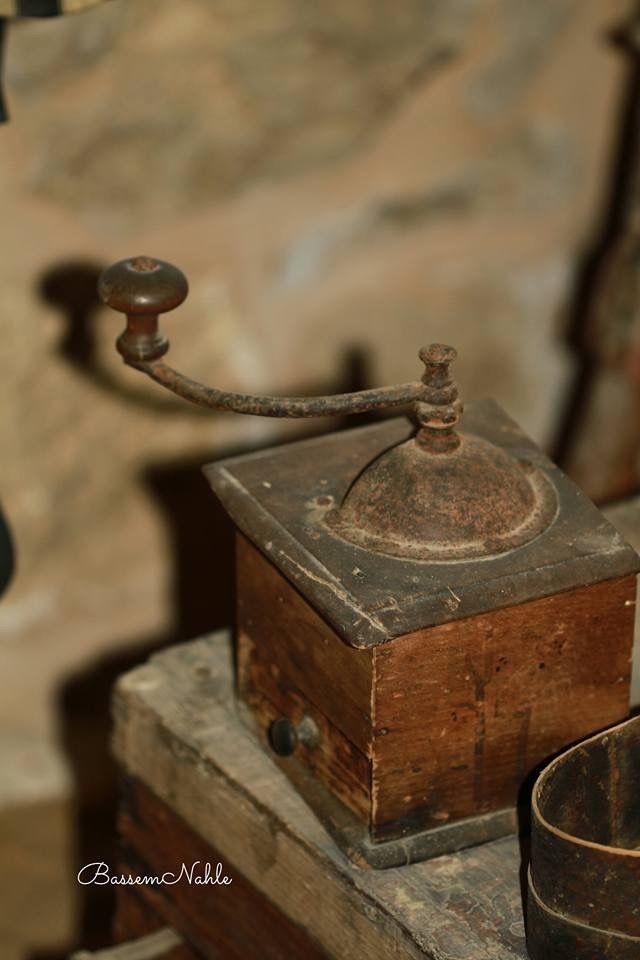 أدوات قديمة مطحنة بن قديمة تصوير باسم نحلة Old Traditional Tools Photo Credit To Bassem Nahleh Decorative Boxes Decor Home Decor