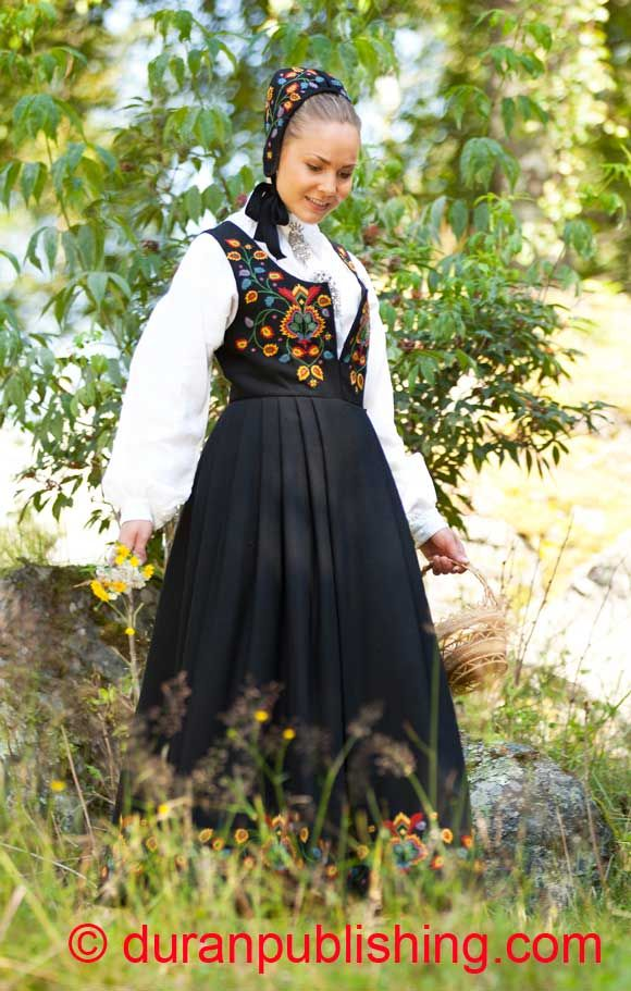 Modern Viking Girl S Folk Dress Norwegian Clothing Folklore Fashion Folk Costume