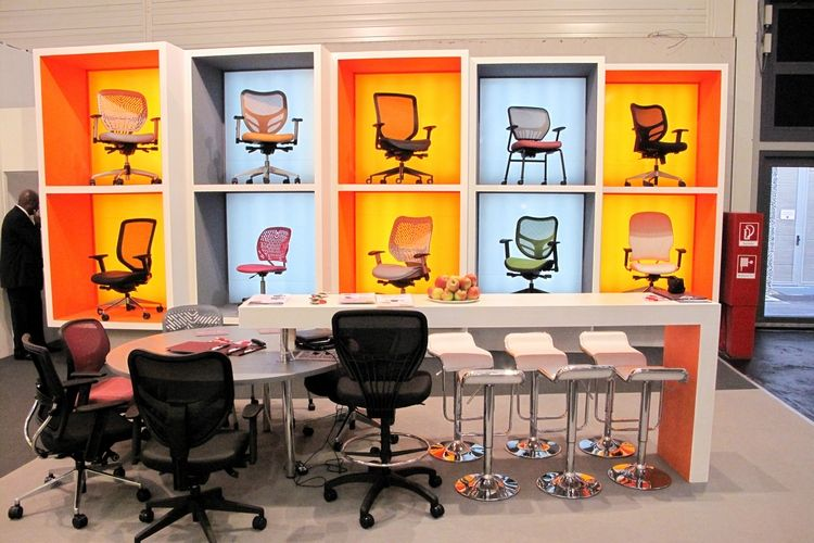 Chair display store ideas pinterest display office for Office design exhibitions