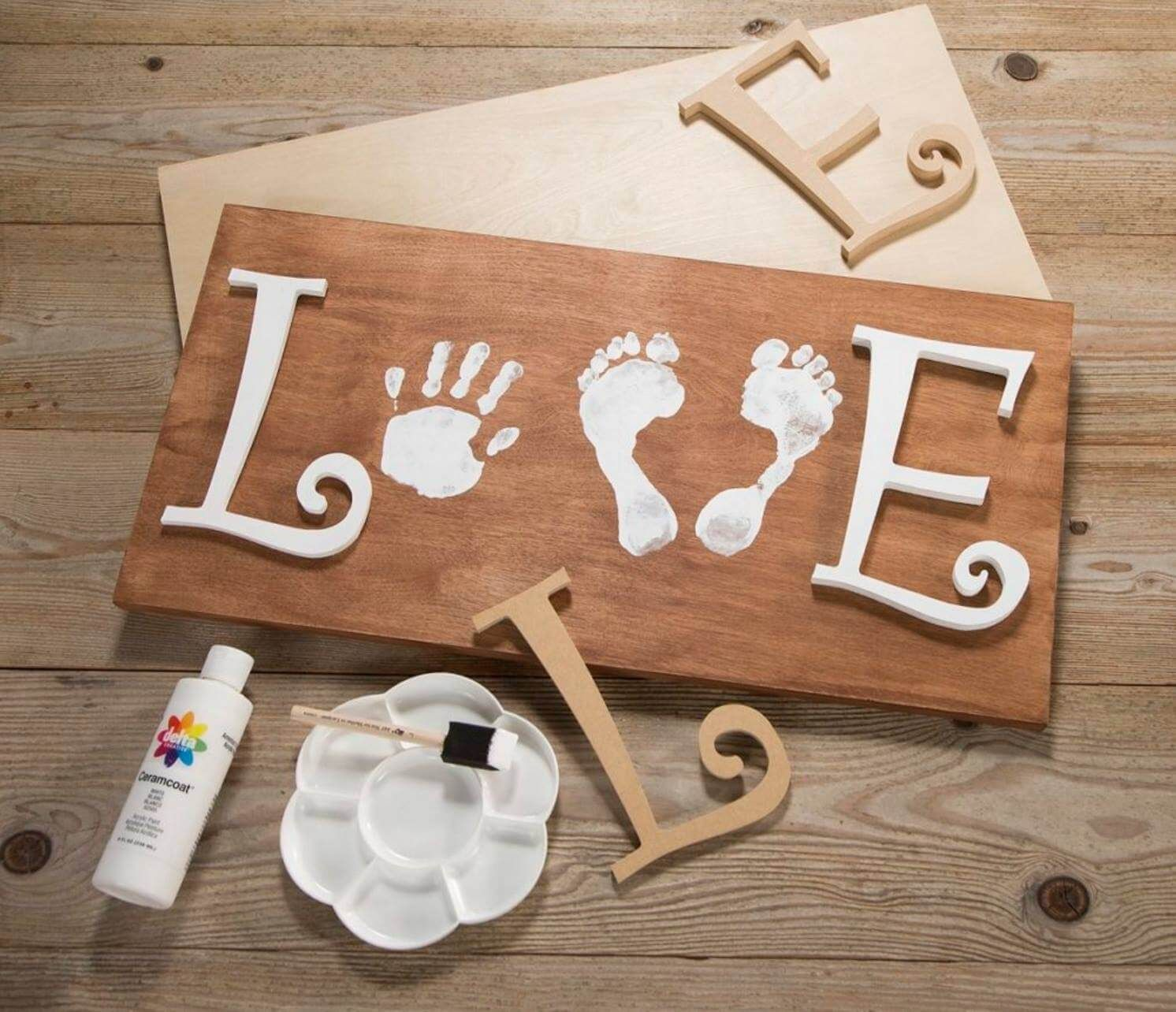 12 Rustic Love Wood Signs That Will Take Your Decor To The Next ...