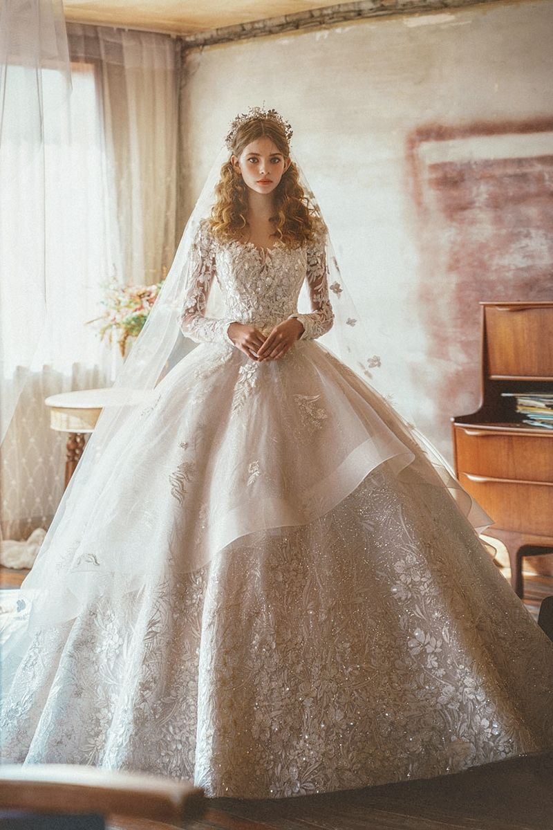 15 Statement Making White Winter Wedding Dresses With Sleeves Princess Wedding Dresses Fairy Tale Wedding Dress Winter Wedding Gowns [ 1200 x 800 Pixel ]