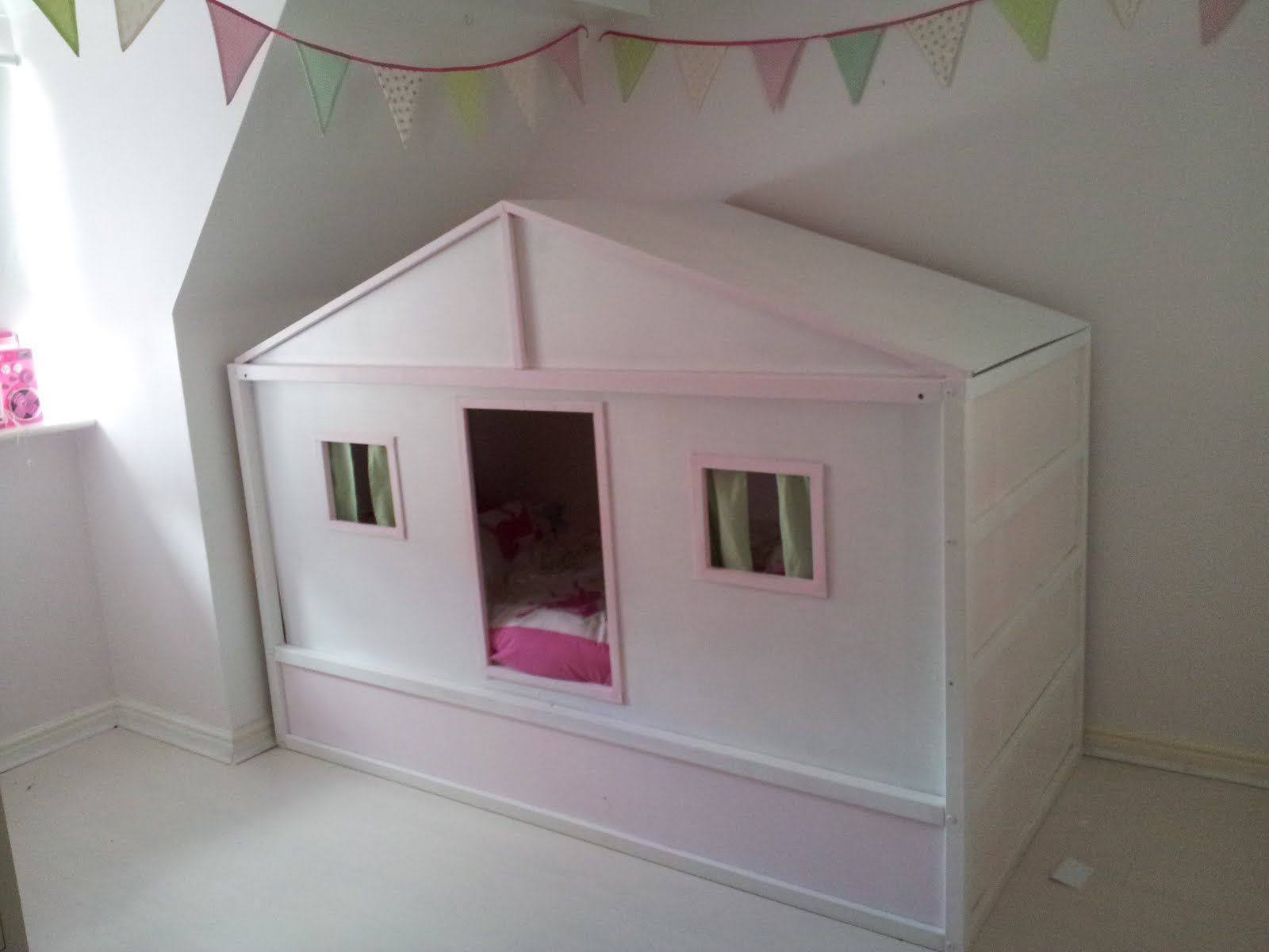 Hausbett Etagenbett : Kura bed cottage hack ikea hacks pinterest kinderzimmer bett