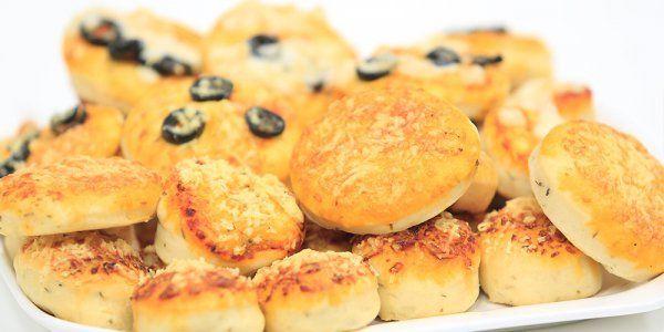 Cbc Sofra طريقة عمل ميني بيتزا نجلاء الشرشابي Recipe Recipes Food Breakfast