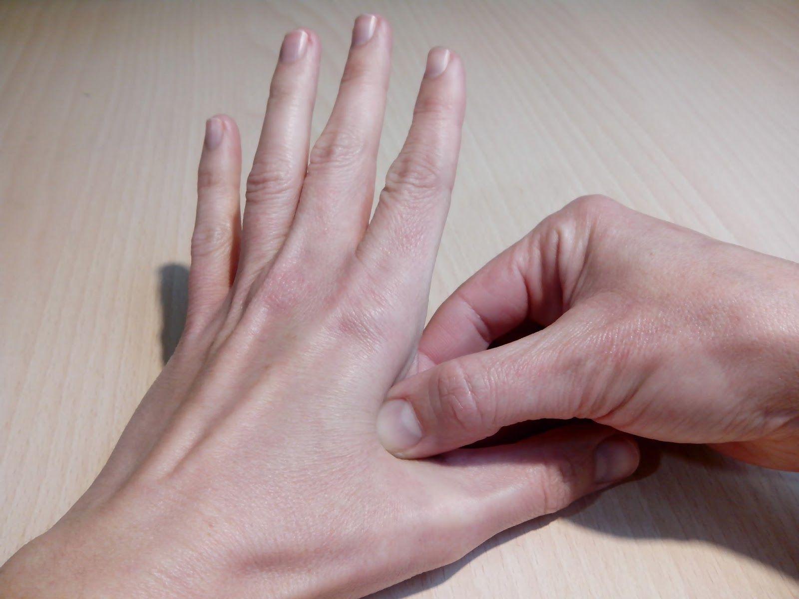 Dexter, Season 1 Ice truck killer prosthetic hand nails ...