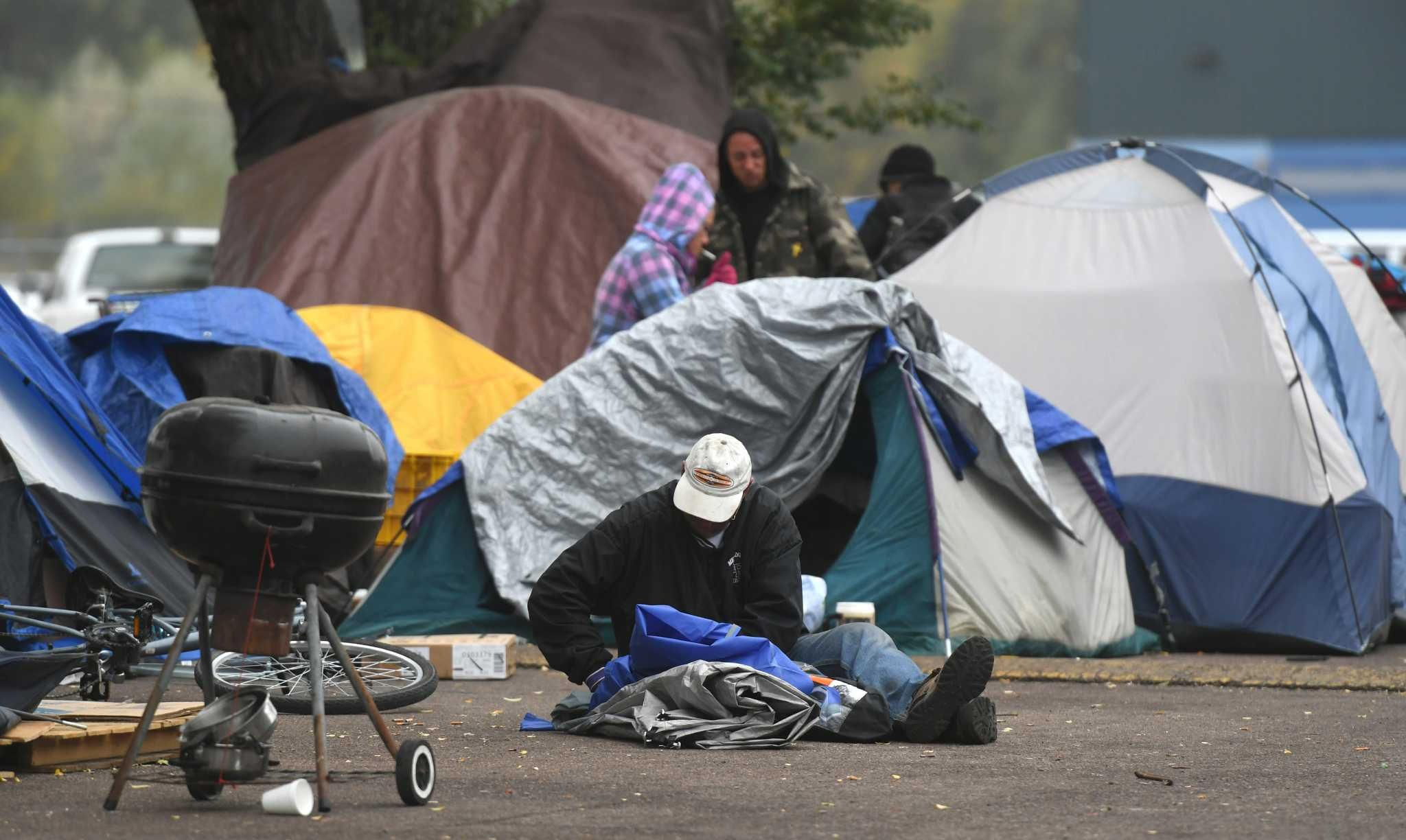 Ap Colorado Springs Is Ordering Homeless People To Leave A Tent City That Has Developed Around A Shelter The Missio Tent Colorado Springs Homeless People