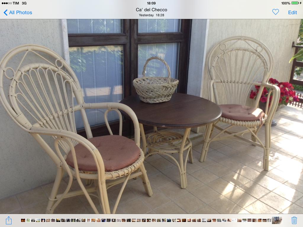 Sedit sedie ~ Sedie tavolino cestino in veranda si sta comodi my