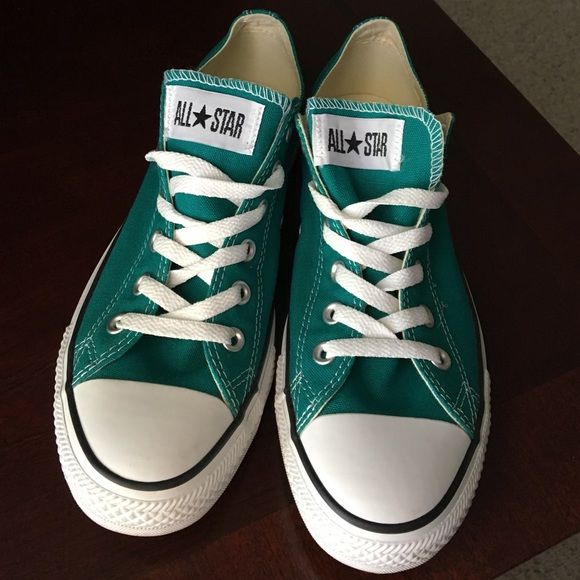 3278406d6ecf Green low top converse. Womens size 10! Green low top converse. Womens size  10
