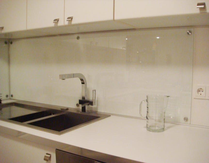 Individueller Spritzschutz für die Küche - supermagnete vangerry