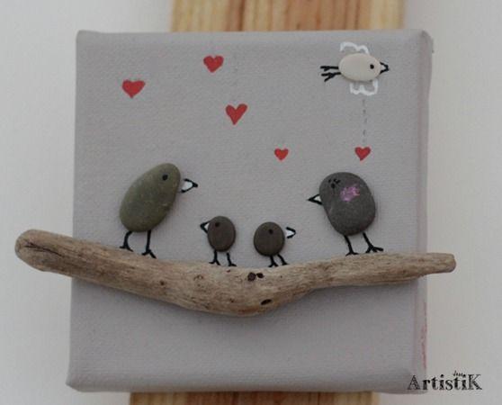 Tableau galets oiseaux bois flott 39 famille 39 mini format for Que fabriquer avec du bois flotte