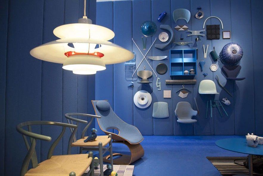 Após a sala vermelha, entra-se na sala azul, repleta de design dinamarquês