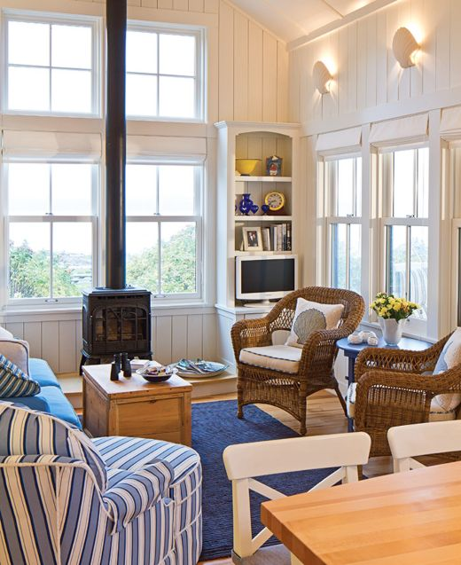 25 Small Cozy Beach Cottage Style Living Room Interior Design & Decor Ideas #beachcottageideas