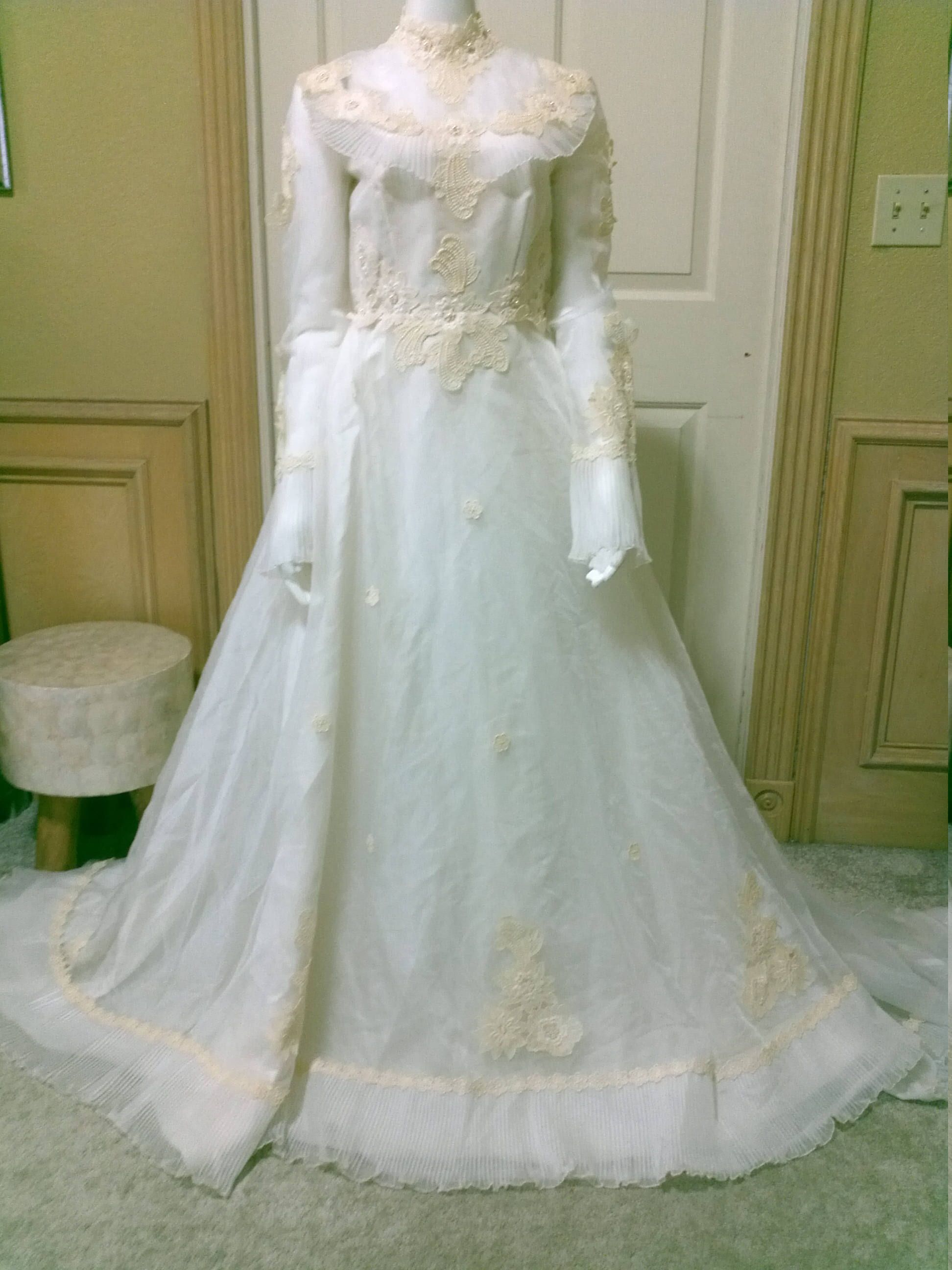 60s Wedding Dress Simple Elegance Ivory Organza and French Lace ...