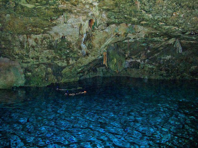 Piscinas naturales los cenotes de riviera maya en la for Piscinas naturales en mexico