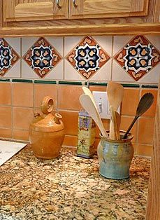 Spanish tile backsplash ideas benefits of a mexican tile for Spanish style kitchen backsplash