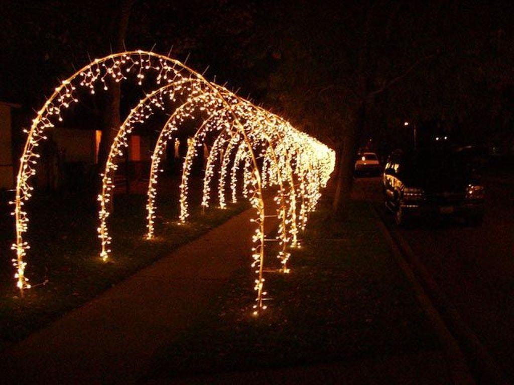 37 Creative Diy Outdoor Christmas Lighting Ideas Outdoor Christmas Lights Diy Christmas Lights Decorating With Christmas Lights