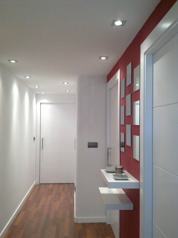 Tarima oscura o clara tarimas decorar tu casa y oscuro for Suelo gris puertas blancas