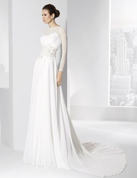 Vestidos de novia en gasa natural con apliques en la cintura.
