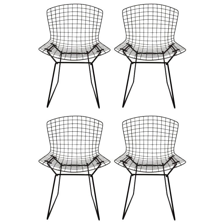 1960s Vintage Original Harry Bertoia For Knoll Black Wire Side Chairs Set Of 4 In 2020 Vintage Patio Black Metal Chairs Wire Dining Chairs