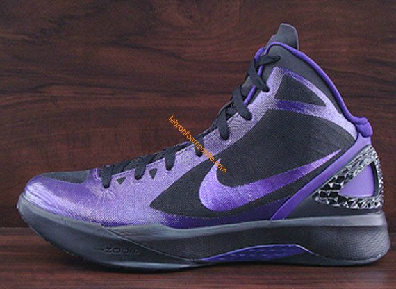 Cute Womens basketball shoes Hyperdunk