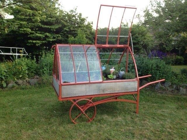 la mini serre en acier sur chariot d pla able enti rement vitr e avec bac int rieur en zinc. Black Bedroom Furniture Sets. Home Design Ideas
