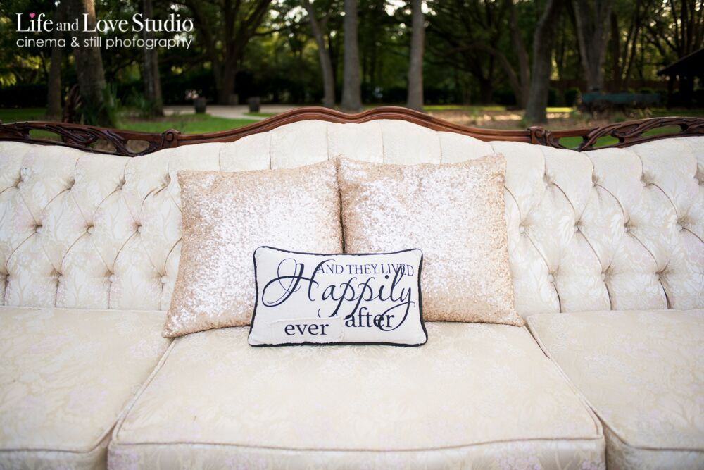 Rentals by Southern Charm Events, Photography by Live and