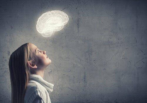 Los tres primeros años de vida de un niño son cruciales para el desarrollo de su cerebro. Es cuando se desarrollan las habilidades.