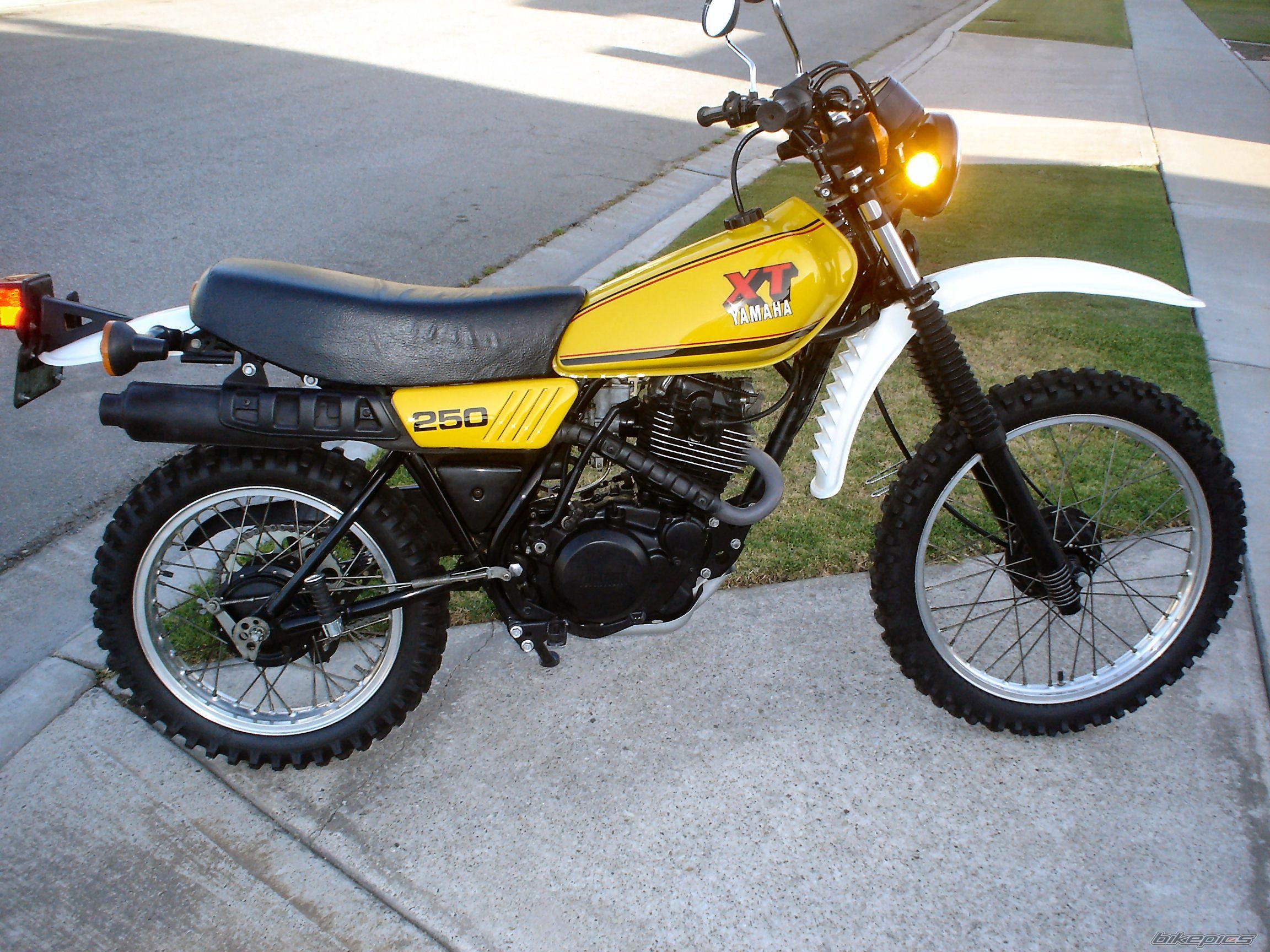 Collauss S 1980 Yamaha Xt 250 Yamaha Bikes Yamaha Classic Bikes