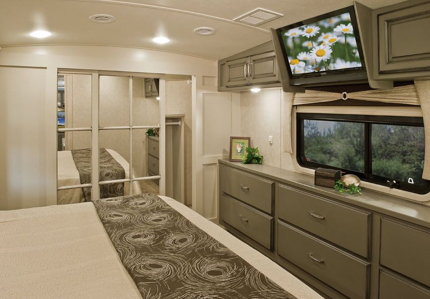 Review of DRV Luxury Suites Mobile Suites Tradition Year